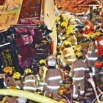 大埔でバス横転、80人死傷