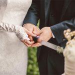 結婚費用平均額は36万ドル 7割が「予算をオーバー」