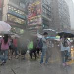 今年初の紅雨警報、事故多発 死者2名、ケガや行方不明も