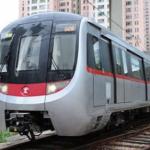 MTRが通常運行に快復へ 駅出口は閉鎖と修理を継続